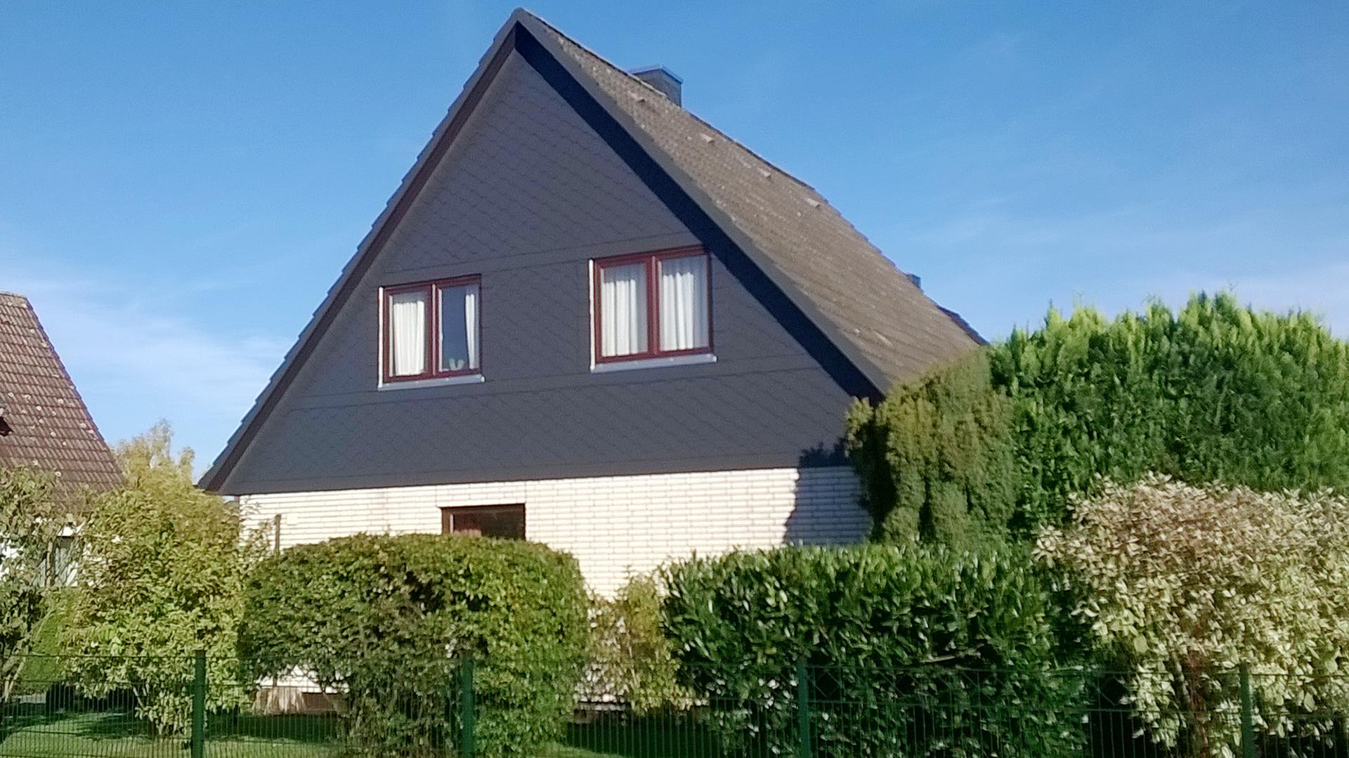 giebelverkleidung mit faserzement platten dachdeckerei yarus dach. Black Bedroom Furniture Sets. Home Design Ideas